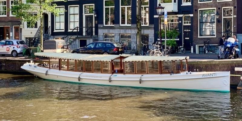 Boat rent in Amsterdam