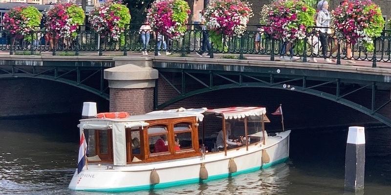 Boat rent Amsterdam 1